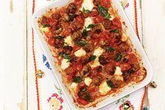 18 maart - Half-om-half gehakt in de bonus - Zelfgemaakte gehaktballetjes zijn het allerlekkerst. Helemaal deze variant met gesmolten mozzarella in tomatensaus - Recept - Allerhande