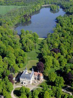 Schloss Altdöbern in Brandenburg (Familie von Heineken, Grafen von Witzleben-Alt-Doebern, Eugen Laib Garbáty).