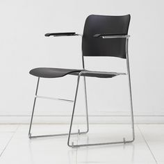 The 40/4 chair by David Rowland