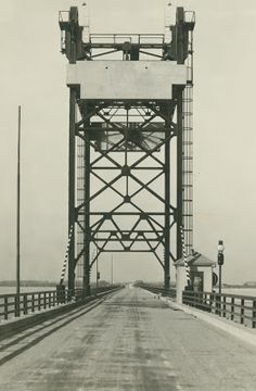 Though this bridge no longer exists, it made history when it opened. On February 2, 1929 the Sandusky Bay Bridge was dedicated, providing a direct route for automobiles across the bay, between Erie and Ottawa Counties. The project was authorized by acts of Congress and the Ohio legislature. The bridge was privately financed by the Sandusky Bay Bridge Company, but the State of Ohio took ownership of the bridge in 1936.