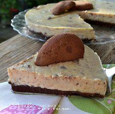 Torta fredda con crema pasticcera e biscotti al cioccolato