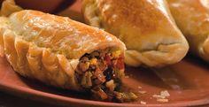 La Salteña Empanadas de carne. Additional seasonings: perejil, ajo fresco, aji molido, 1 cebolla, 1/2 cubito de caldo de carne, un poco de aji picante