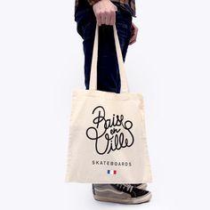 Tote bag 100% coton, logo Baise-en-villesérigraphié, finition Posca.