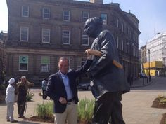 Tweeted by @JohnTravis - Great to see five time @letour champ Bernard Hinault enjoying the sights in St George's Square!