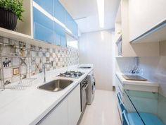 Cozinhas pequenas: fotos e truques indispensáveis na decor Kitchen Cabinets, Kitchen, Home Decor, Cabinet