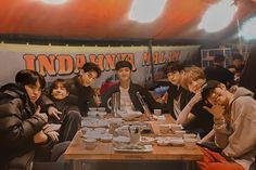 indahnya malam ini bersama got7 lokal indo #bambam #yugyeom #youngjae #jinyoung #jackson #mark #jaebeom #got7lokal #idol Iphone Wallpaper Landscape, Got7 Mark Tuan, Korea Boy, Got7 Members, Got7 Jackson, Jung Jaehyun, Photos Tumblr, Bff Pictures, Drama Korea