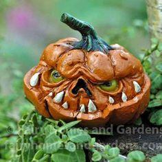 Miniature Scary Jack o' Lantern Miniature Pumpkin Creepy Pumpkin, Pumpkin Art, Pumpkin Faces, Pumpkin Carving, Evil Pumpkin, Halloween Fairy, Halloween Village, Halloween Pumpkins, Halloween Crafts