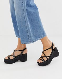 Buy New Look flatform sandal in black at ASOS. With free delivery and return options (Ts&Cs apply), online shopping has never been so easy. Get the latest trends with ASOS now. 90s Shoes, Funky Shoes, Sock Shoes, Cute Shoes, Girls Shoes, Me Too Shoes, Black Flatform Sandals, Aesthetic Shoes, Chunky Boots