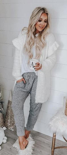 How To Wear Sweatpants Winter Outfit Ideas For 2019 Stylish Winter Outfits, Winter Fashion Outfits, Fall Outfits, Cute Outfits, Boho Outfits, Work Fashion, Style Fashion, Casual Outfits, How To Wear Sweatpants