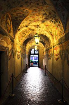 --Chris Panagiotidis Kolegium Majus, Krakow - Copernicus might have walked this hall. Krakow Poland, Moldova, London Travel, Art And Architecture, Where To Go, Romania, Beautiful Places, Old Things, Around The Worlds
