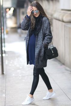 Inspiring Maternity Fashion Outfits Ideas for Fall and Winter - Harry potter Boy. Inspiring Maternity Fashion Outfits Ideas for Fall and Winter - Harry potter Boys - Winter Maternity Outfits, Stylish Maternity, Maternity Wear, Maternity Fashion, Winter Outfits, Pregnancy Fashion Winter, Maternity Styles, Casual Pregnancy Outfits, Maternity Swimwear