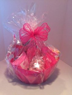 Money Bouquet Discover Gift Baskets All Occasion Thank you Birthdays Get well Just Because in a Variety of Beautiful Bright Colors Candy Bouquet Diy, Money Bouquet, Cute Birthday Gift, Birthday Gift Baskets, Teen Gift Baskets, Basket Gift, Theme Baskets, Valentines Day Baskets, Baby Shower Game Prizes