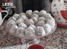 Persimmon Oat (Unsweetened) Bomb Balls Source by Diet Desserts, Diet Recipes, Baked Carrots, Homemade Cake Recipes, Diet Food List, Rice Krispie Treats, Food Dishes, Sugar Free, Healthy Snacks