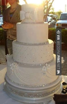 Love this! - Amazing wedding cake | CHECK OUT SOME COOL PICTURES OF NEW WEDDING CAKES 2016 OVER AT…