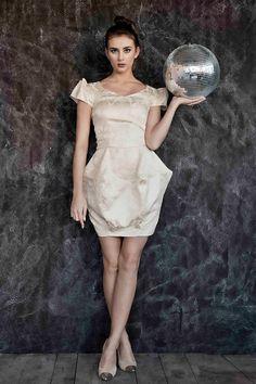 White dress Gabriela Hezner  fot. Rafał Dąbrowski modelka Aleksandra Domańska