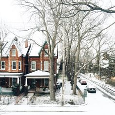 bellesandghosts:  ©bluebirdkisses Snowy streets forever ❄️��...