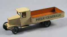Melkcentrale | Collectie Gelderland Metal Toys, Wood Toys, Vintage Metal, Vintage Toys, Wooden Toy Trucks, Cool Stuff, Kid Stuff, Retro, Projects To Try