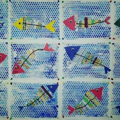 Poisson d'avril - make these into a mobile with straw sections on each part and then string together! Fishers of men Kindergarten Art, Preschool Art, Classe D'art, Sea Crafts, Spring Art, Fish Art, Animal Crafts, Recycled Art, Art Classroom