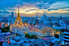 Wat Traimit in Chinatown Bangkok is home th the famous Golden Buddha and a modern Exhibition centre  Bangkok SM Hub
