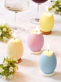 Velas feitas com cascas de ovo coloridas. (Foto: Divulgação)