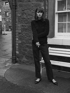 Kostymbyxor svart tröja