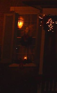 Figure in the window of an unoccupied house in Jonesborough, - Figures and faces - Gallery - Ghost Mysteries Discussion Forums