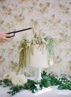 LOVE this idea, minus the candles. maybe draped with eucalyptus too? but love the little flowersSpring wedding cake inspiration Creative Wedding Cakes, Beautiful Wedding Cakes, Wedding Cake Designs, Creative Cakes, Beautiful Cakes, Spring Wedding Flowers, Floral Wedding, Sun Cake, Single Tier Cake