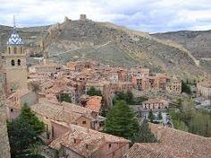 Teruel es una ciudad española situada en el sur de Aragón, en la zona centro-oriental de España. Es la capital de la provincia con el mismo nombre y posee un importante patrimonio artístico mudéjar (parte del cual ha sido reconocido por la Unesco como Patrimonio de la Humanidad). Con 35.961 habitantes en 2013, es la capital de provincia menos poblada de España. Se encuentra en la confluencia de los ríos Guadalaviar (o Turia) y Alfambra.