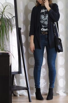 Band-Shirt-Jeans-Outfit-Winter-Outfit-2017