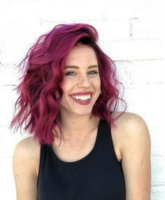 60 Chic And Lastest Short Haircut Design To Try In 2019 - Page 5 of 12 - Hair Ideas - Dark Pink Hair, Hair Color Purple, Hair Dye Colors, Cool Hair Color, Fuschia Hair, Burgundy Hair, Violet Hair, Maroon Hair, Hair Colour Ideas