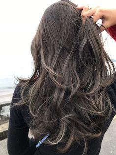 外国人風グラデーションカラーにハイライト☆ダークアッシュ☆ - 24時間いつでもWEB予約OK!ヘアスタイル10万点以上掲載!お気に入りの髪型、人気のヘアスタイルを探すならKirei Style[キレイスタイル]で。