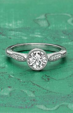 A modern ring with a vintage look. Perfect