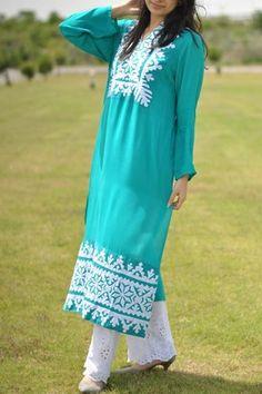 For summer simple pakistani dresses, pakistani suits, simple dresses, india Simple Pakistani Dresses, Pakistani Outfits, Indian Dresses, Simple Dresses, Indian Outfits, Casual Dresses, Casual Wear, Indian Attire, Indian Ethnic Wear