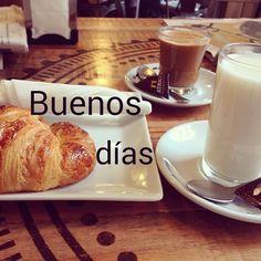 Caprichos de domingo ¡Feliz día!  #ideassoneventos #blog #bloglovin #organizacióndeventos #comunicación #protocolo #imagenpersonal #bienestarybelleza #decoración #inspiración #bodas #buenosdías #goodmorning #sunday #domingo #happy #happyday #felizdía #desayuno #breakfast #ricorico #ñamñam #cafés #coffee #croissant #leche #milk #instafood #buenacompañía #placeresdefindesemana