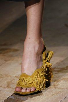 Dries Van Noten Spring 2017 Ready-to-Wear via Vogue