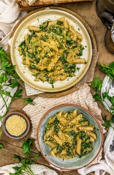 This oil-free Vegan Creamy Spinach Pasta is brimming with comforting flavors, healthy ingredients, and ready in 20 minutes.