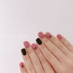 This series deals with many common and very painful conditions, which can spoil the appearance of your nails. SPLIT NAILS What is it about ? Nails are composed of several… Continue Reading → Nails Polish, Gelish Nails, Diy Nails, Minimalist Nails, Nail Swag, Cute Acrylic Nails, Cute Nails, Dream Nails, Nail Art Hacks