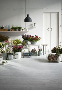 Treverkatelier - Wood effect porcelain stoneware Wood Effect Floor Tiles, Wood Tile Floors, Flower Shop Interiors, Flower Shop Design, Garden Shop, Garden Cottage, Rose Shop, Flower Studio, Wedding Flower Inspiration