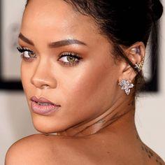 Os segredos de beleza da Rihanna.