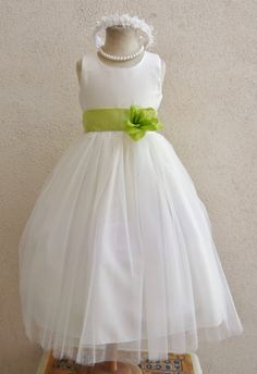 Hey, I found this really awesome Etsy listing at https://www.etsy.com/listing/157653442/flower-girl-dress-ivorygreen-lime-rb