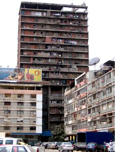 Slums in Luanda, Angola Angola Africa, Paises Da Africa, East Africa, Lonely Planet, Kingdom Of Kongo, Time For Africa, Atlantic Beach, Largest Countries, Architects