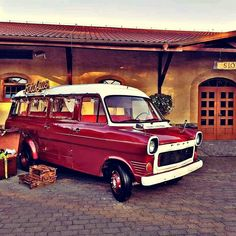 Wyjątkowa fotobudka w Retro Busie. Mk 1, Ford Transit, Britain, Camper, Retro, Vintage, Truck Camper, Travel Trailers, Neo Traditional