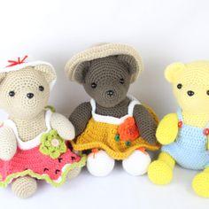Free Dress Up Bears Crochet Pattern. Crochet an amigurumi bear with a dress, overalls, hat, and shoes with this free amigurumi pattern! Crochet Dinosaur Pattern Free, Crochet Bear Patterns, Amigurumi Patterns, Amigurumi Toys, Crochet Animals, Crochet Ideas, Free Pattern, Crochet Gratis, Cute Crochet