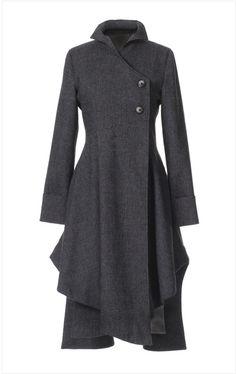 Пальто с асимметрией (отвлекает внимание от недостатков, создает гармоничный силуэт)
