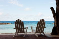Sit back, relax, and let the weekend begin on these relaxing chairs on Avila's Sea Terrace. #PerfectSeatForReading