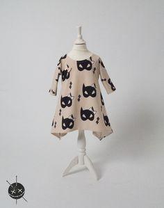 section Schnittgeflüster.  Dresses - Batgirl dress - a designer piece of Voodulu at DaWanda