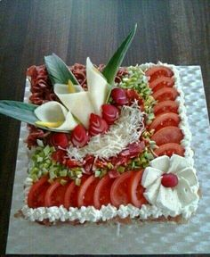 inspiration from the net - Food Carving Ideas Cute Food, Good Food, Yummy Food, Yummy Snacks, Food Design, Food Carving, Vegetable Carving, Sandwich Cake, Food Garnishes