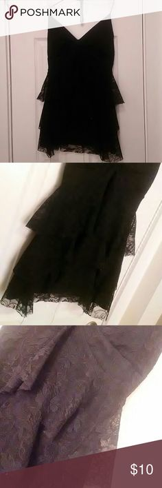 🆕Black Lace backless top Like New. Nice for the Holidays / special occasions. Can be dressed up or down. BUNDLE UP to save 💰 Bundle & get a nice 20% discount off of 2+ items ! Dots Tops