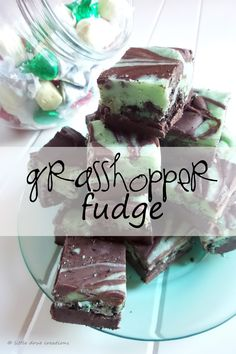 Make this delicious and easy mint grasshopper fudge for the holidays! Christmas Treats, Christmas Baking, Holiday Treats, Christmas Foods, Christmas Cookies, Christmas Decor, Mint Desserts, Fancy Desserts, Chocolate Mint Cookies