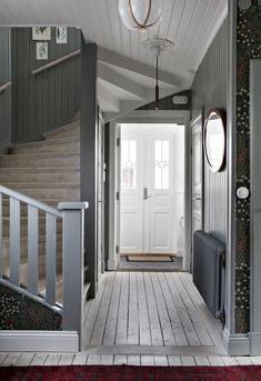 my scandinavian home: The Beautiful House of a Swedish Creative entry with oodles of charm Oval Room Blue, Rustic Wood Walls, Swedish House, Foyer Decorating, Scandinavian Home, Room Paint, Stairways, Farmhouse Style, Interior And Exterior